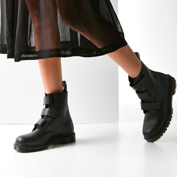 IN SEARCH OF: dr (doc) martens coralia boots